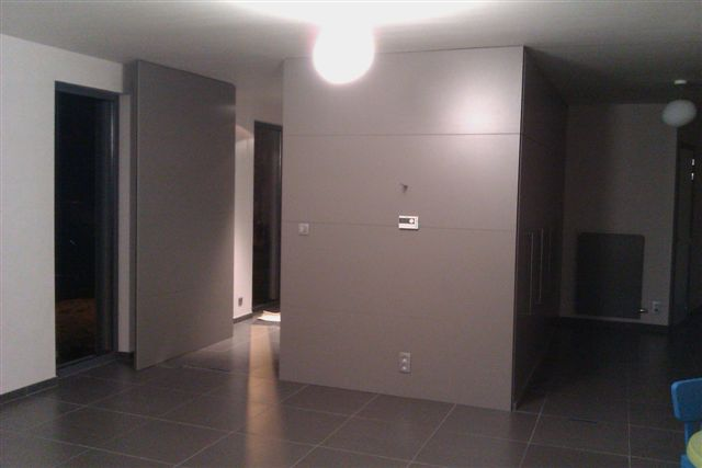 Pivoterende deur tussen keuken en berging bouwinfo - Hoe dicht een open keuken ...